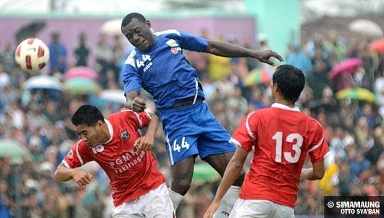 Persib Bandung vs Persibangga Purbalingga